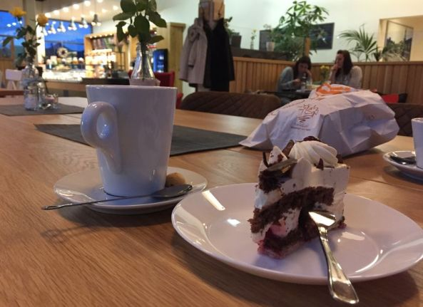 Im Café Wachberg