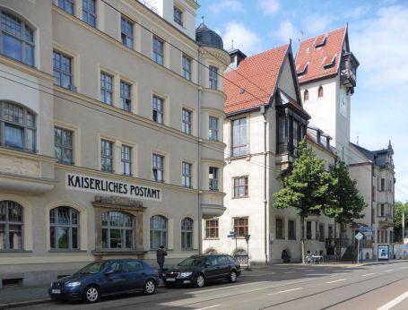 Postamt und Rathaus