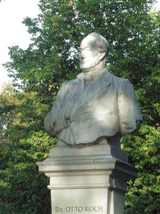 Denkmal für Georgis Vorgänger Koch nahe der Moritzbastei
