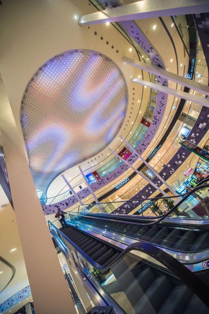 Ein Tag vor der Eröffnung: Rundgang im Einkaufscenter Milaneo in Stuttgart