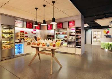 Aloft_Stuttgart_Snack Bar@2015 Starwood Hotels und Resorts Worldwide.jpg