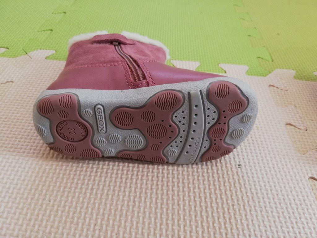GEOX(ジェオックス)子供用ボア付きブーツ靴裏