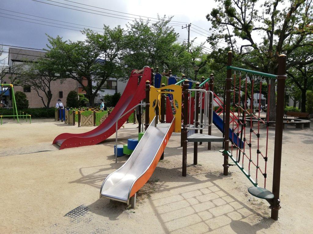 西瑞江みのり公園の滑り台