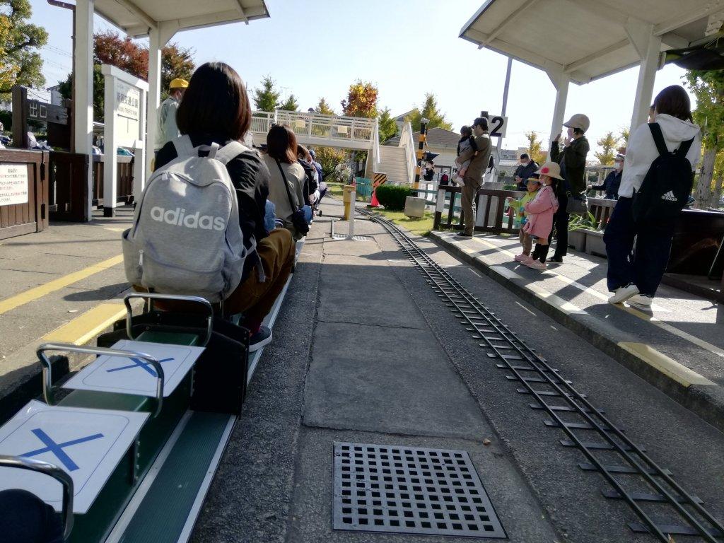 葛飾区の新宿交通公園のミニSL乗り場