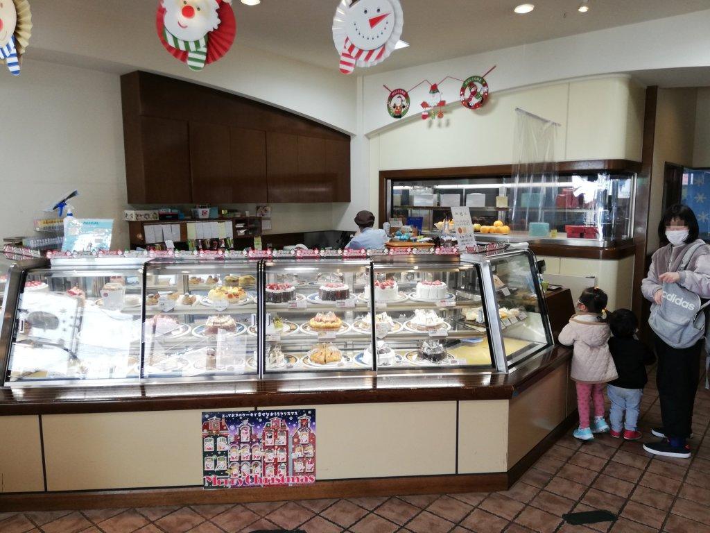 パティスリーパスカル本店のケーキ売り場