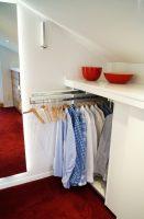 Kleines Schlafzimmer Mit Begehbarem Kleiderschrank Neu ...