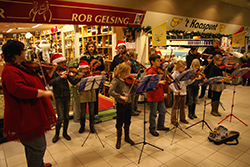 Sinterklaas vioolconcert Myrakelmuze voor Kindia