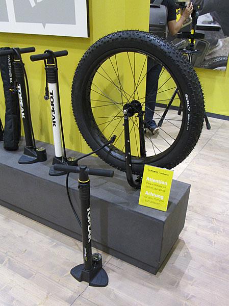 Topeak-Fatbike-Pumpe-Eurobike