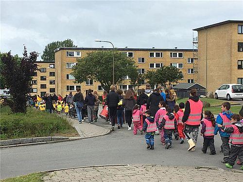500 børn i stort sommeroptog