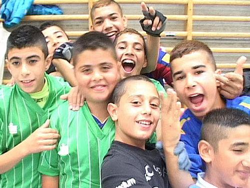 12 hold deltog i sommer-fodbold
