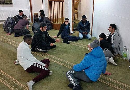 Hygge-nytårsaften i moskeen på Grimhøjvej