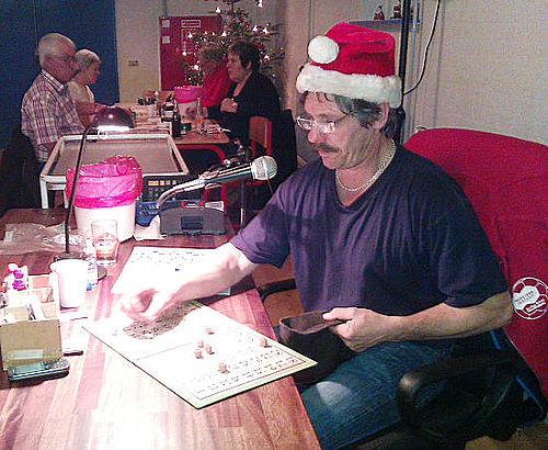Julebanko i Laden med nisser på spil