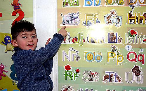 Tre-årig med styr på det danske sprog