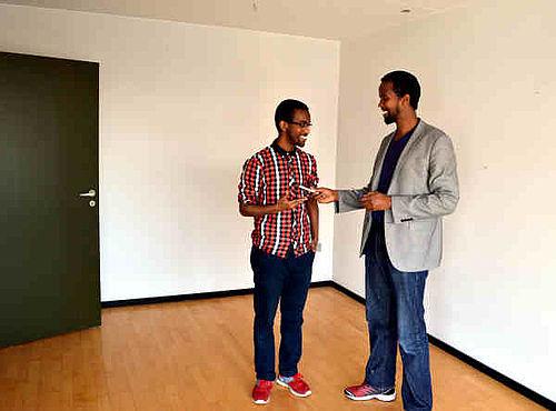 Lokale somaliere bag grafisk bureau