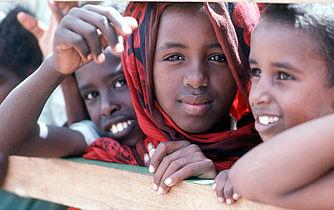 Somaliske børn skal lære af bedsteforældre