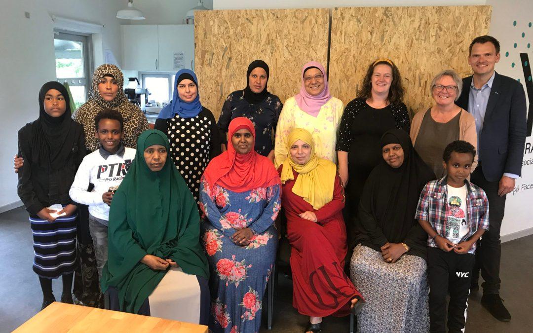 Diplomer til de nye bydelsmødre i Gellerup