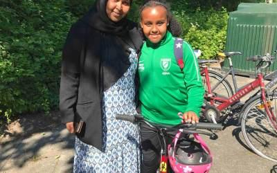 Foreningsmentor: Nu kan Adna selv cykle til fodbold