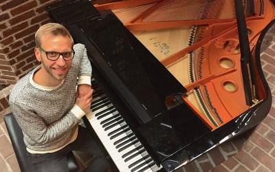 Martin Hornstrup bekæmper corona-tristhed med fællessang