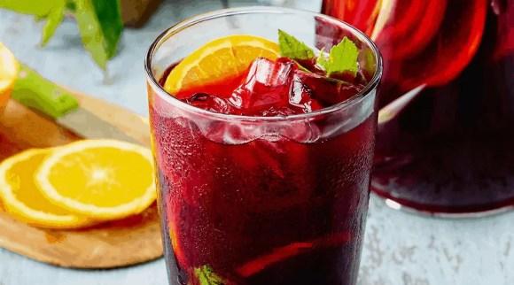 sangria-1024x569 %categoria 10 drinks fáceis e baratos para fazer na sua festa