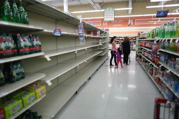 170906-hurricane-irma-florida-store-njs-848a_ee0df7c00d49fb4792bb98540d8a808b.nbcnews-ux-2880-1000
