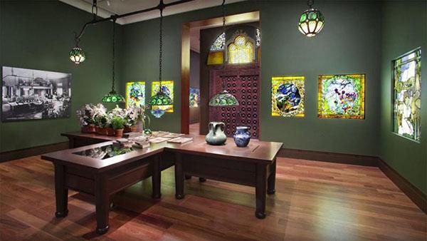 charles-hosmer-morse-museum_coloredglass