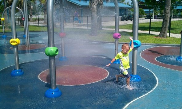 splash-pad-drphillips-water-park (2)