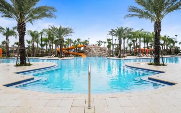 club-house-solterra-resort-pool-04