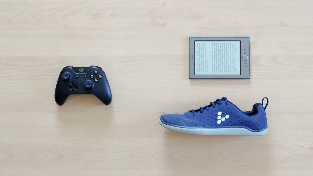 Taking A Break From Video Games - X1 Controller, Kindle, Schuhe