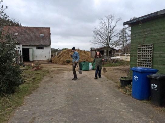 Oliver und Jessica auf dem Pferdehof