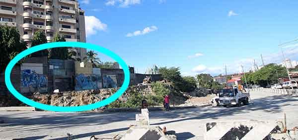 graffiti-on-road-being-widened-near-Santolan---3