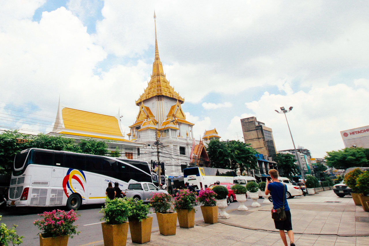 5-Day 2- Bangkok – Wat Traimit 10