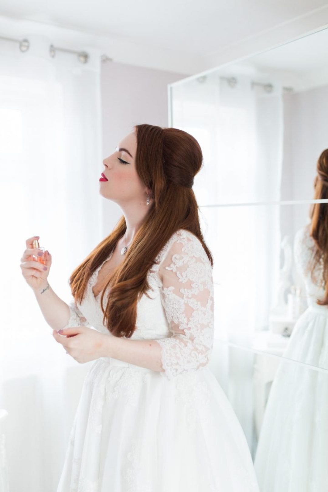 How to get the best getting ready photos on your wedding day?