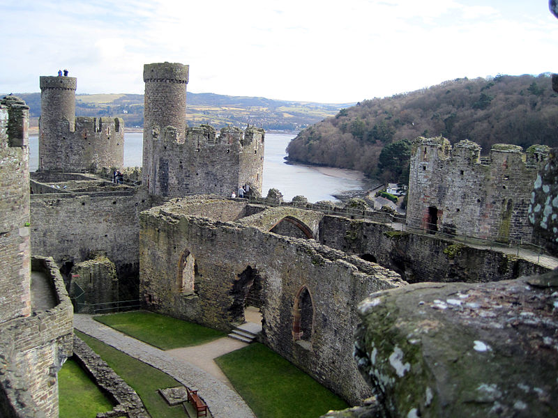 800px Conwycastlew - Wonderful Wales