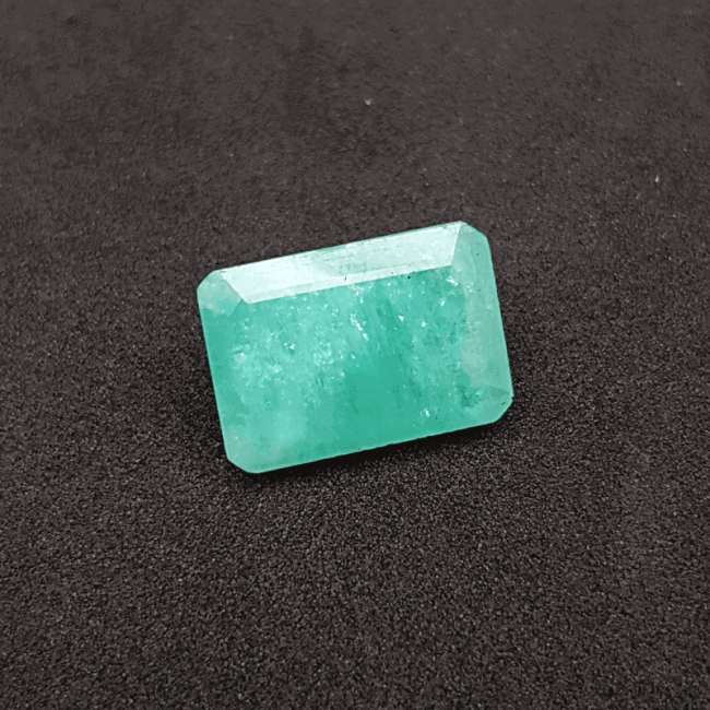 An Original Natural Colombian Emerald (Panna Pathor) Stone - অরিজিনাল কলম্বিয়ান পান্না বা জমরুদ পাথর