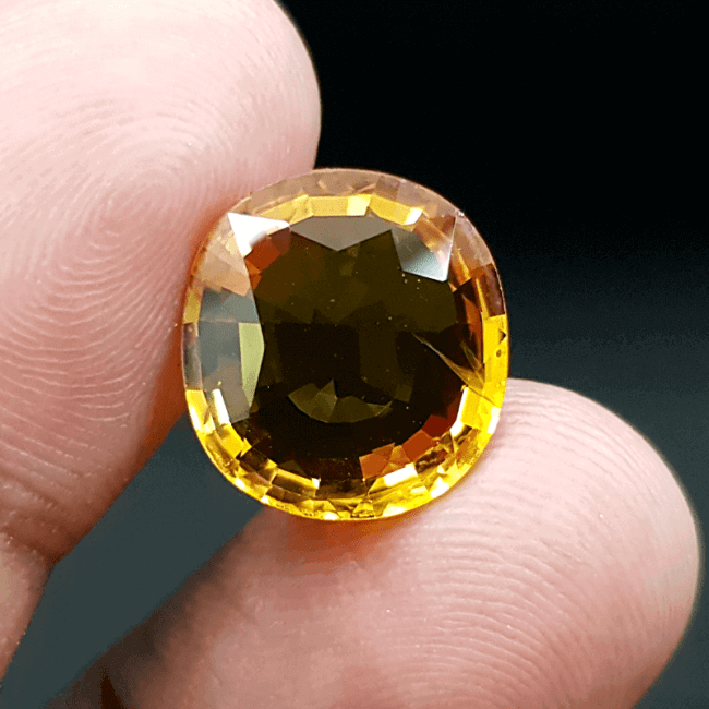 An Original Natural Bangkok (Thailand) Yellow Sapphire (Pokhraj Pathor) Stone - অরিজিনাল ব্যাংকক (থাইল্যান্ড) পোখরাজ পাথর