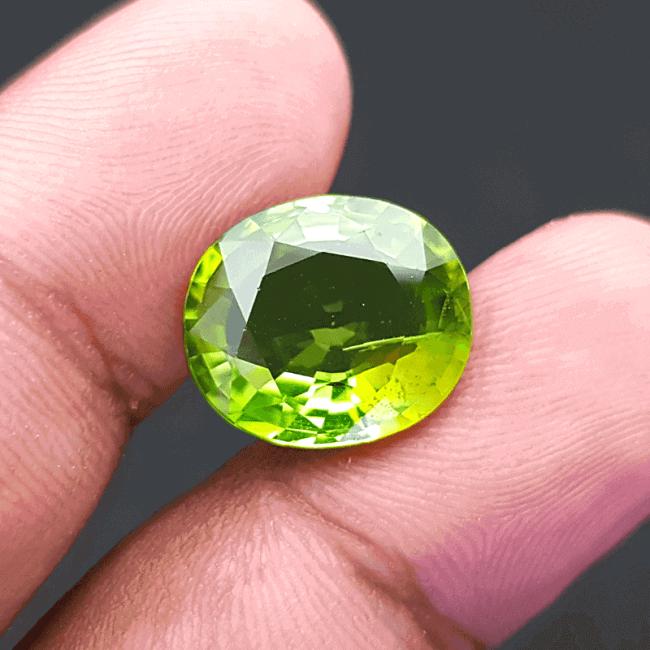 An Original Natural Premium Best Quality Peridot Stone (বেস্ট কোয়ালিটি বার্মিজ পেরিডট পাথর) from Myanmar (Burma)