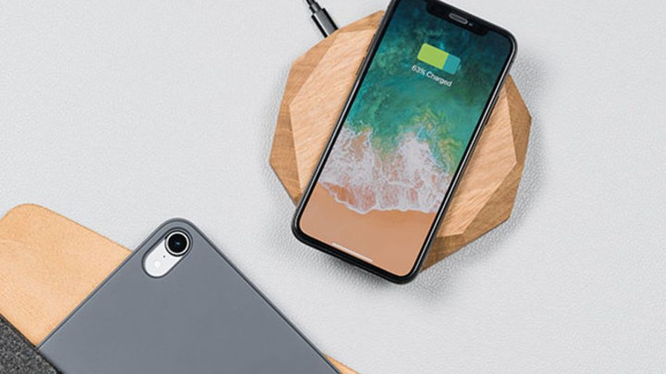 save-20%-on-this-stylish-handcrafted-oak-wood-wireless-charger