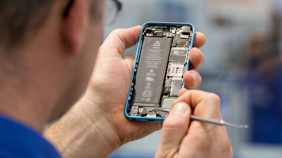 new-york-senate-passes-bill-that-could-force-apple-to-loosen-its-grip-on-device-repairs