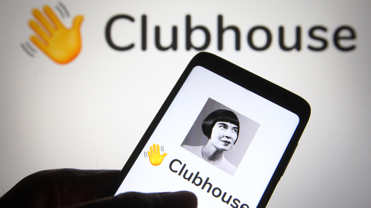 clubhouse's-hot-new-feature-is…-text