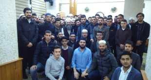 Ahmet Mahmut Ünlü Hoca Efendi Yesevi Gençliği İle Muhabbet Etti.