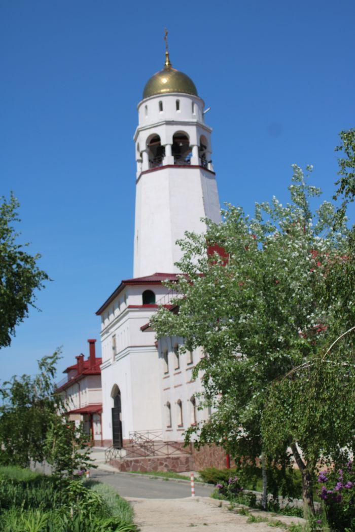 Мужской монастырь в Винновке Колокольня в виде маяка