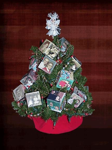 The-Christmas-Family-Tree
