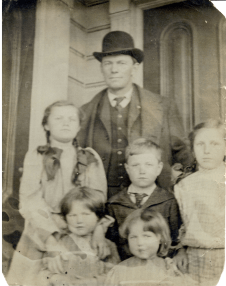 George Anthony Stoltz (1868-1950) and his children (Mother: Lucy Gorman)