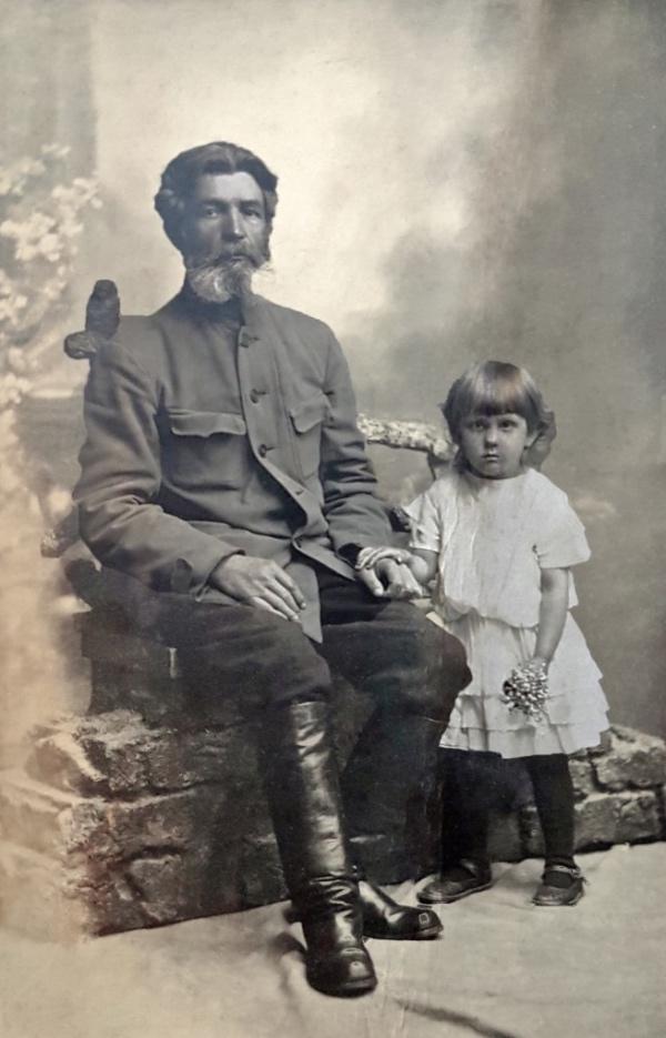 Шевелёв Василий и дочь Анна