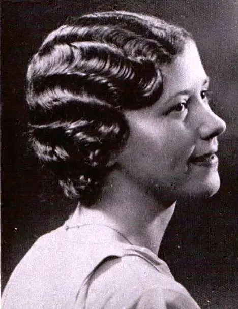 The Marcel Wave bob, an important moment in women's hair history