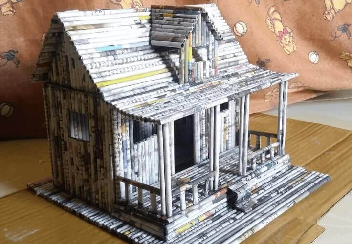 miniatur rumah limbah kertas koran