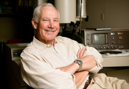 Stanley Falkow,來源:https://med.stanford.edu/news/all-news/2015/12/stanley-falkow-to-receive-national-medal-of-science.html