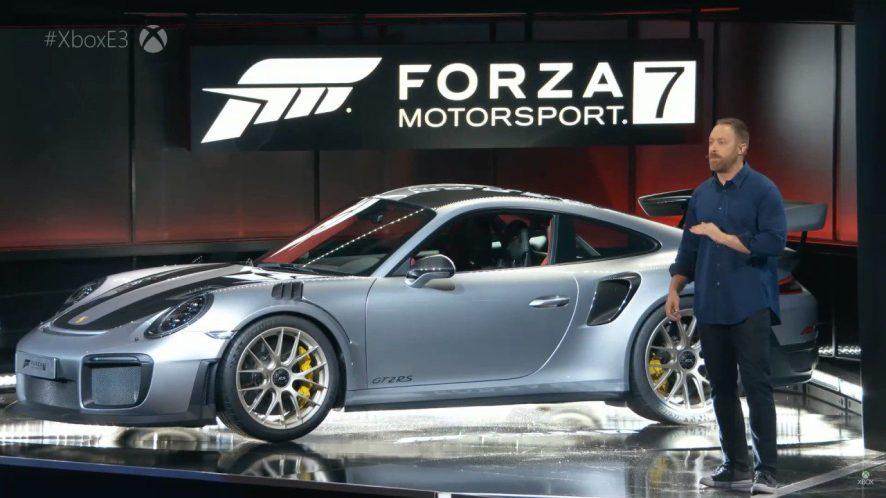 Dan Greenawallt presentando Forza Motorsport 7 durante el pasado E3