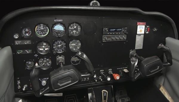 Cessna 172LITE panel
