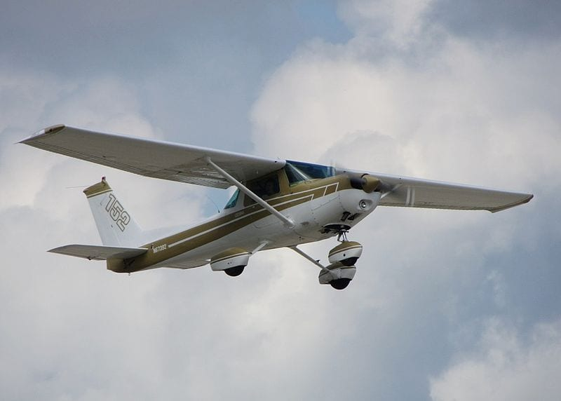 A Cessna 152 (By FlugKerl2 (Own work) [CC BY-SA 3.0 (http://creativecommons.org/licenses/by-sa/3.0)], via Wikimedia Commons